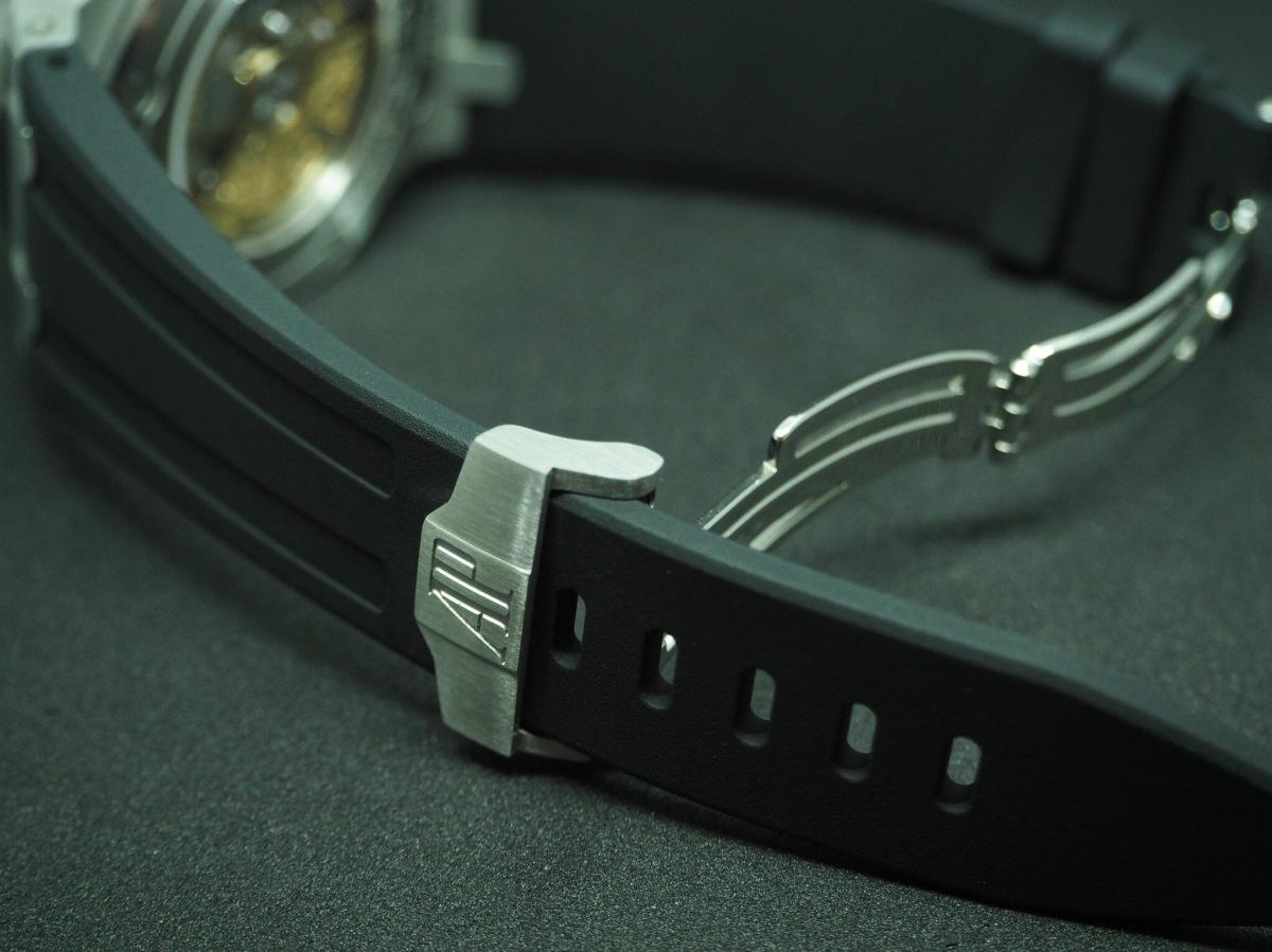 ロイヤルオーク オフショア クロノをラバーベルトに換装、Dバックルも購入。